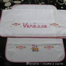 Coppia-asciugamani-in-cotone-nido-d'ape-con-treno-per-Vanessa1