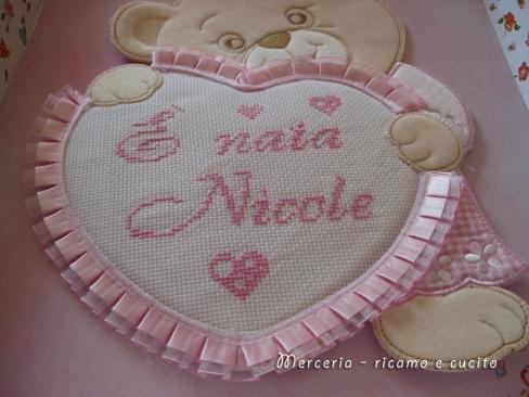 coccarda-fiocco-nascita-cuore-orsetto-è-nata-Nicole-1