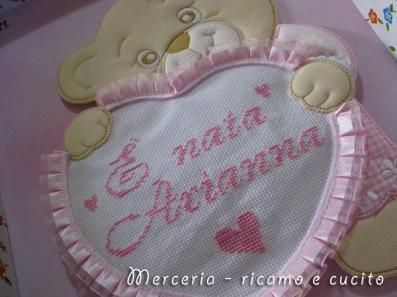 coccarda-fiocco-nascita-orsetto-con-cuore-per-Arianna1