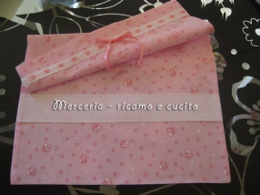 Sacchetto-con-apine-rosa