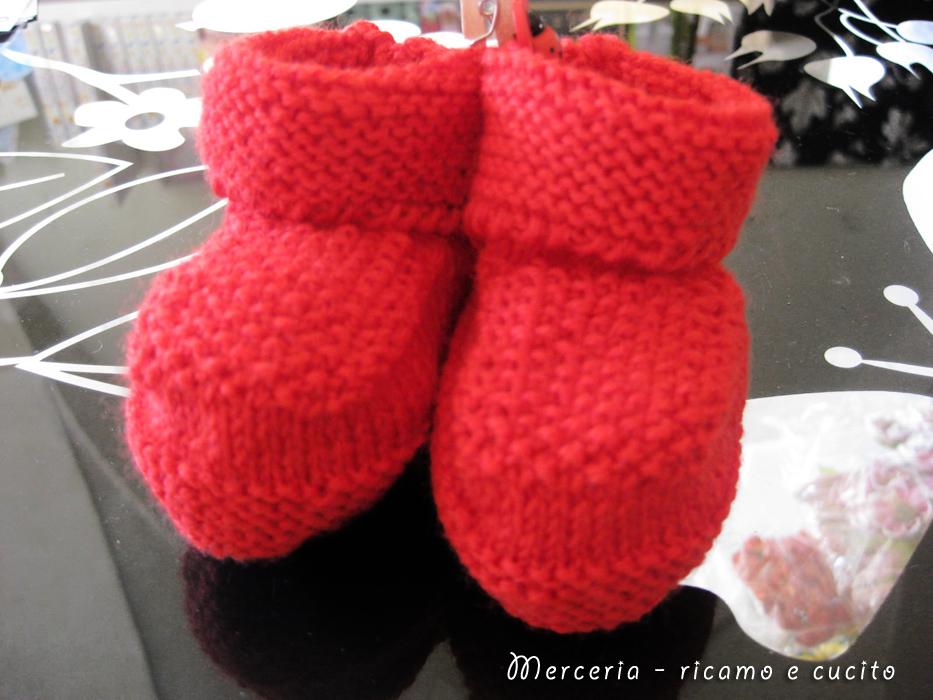 Scarpette neonata rosse in lana