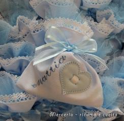sacchettini-bomboniere-portaconfetti-celeste-con-cuore-per-Mattia-2