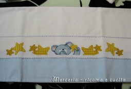 Lenzuola-con-federa-per-culla-e-carrozzina-con-orsetto-e-stelline-1