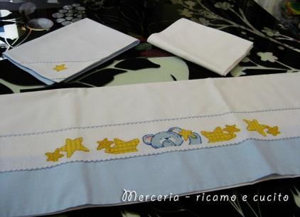 Lenzuola-con-federa-per-culla-e-carrozzina-con-orsetto-e-stelline-3