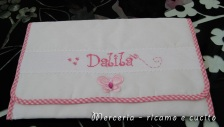 Busta-portaoggetti-rosa-per-Dalila-1