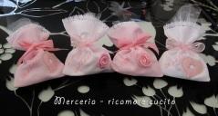 Sacchettini-bomboniere-portaconfetti-con-cuore-e-rosa-per-Rebecca-5