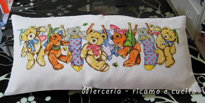 Cuscino con tenerissimi orsetti