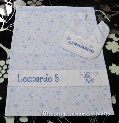 Sacchetto-nascita-e-bavette-per-Leonardo