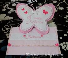 busta-portaoggetti-e-fiocco-nascita-farfalla-per-Rebecca-1