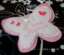 busta-portaoggetti-e-fiocco-nascita-farfalla-per-Rebecca-4
