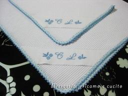 Coppia-asciugamani-in-cotone-nido-d'ape-con-iniziali-ricamate-3