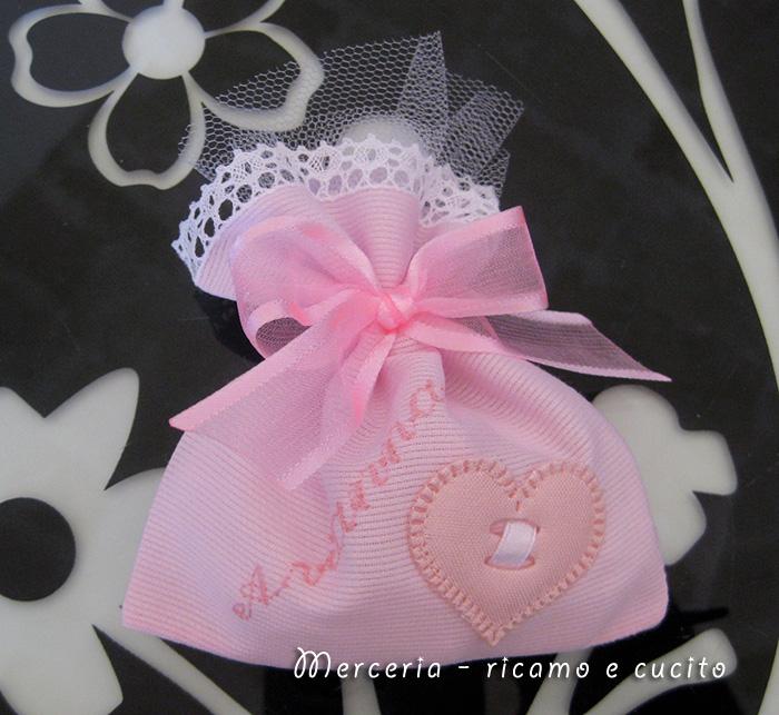 Sacchettini bomboniere portaconfetti con cuore per Arianna  GIFT ...