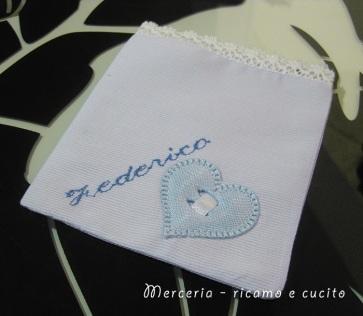 Sacchettini bomboniere portaconfetti con cuore per Federico