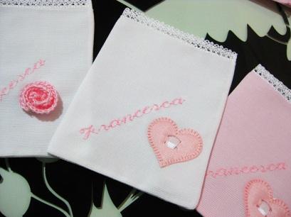 Sacchettini-bomboniere-portaconfetti-rosa-per-Francesca-4