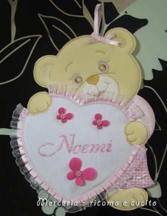 Fiocco nascita orsetto con cuore per Noemi