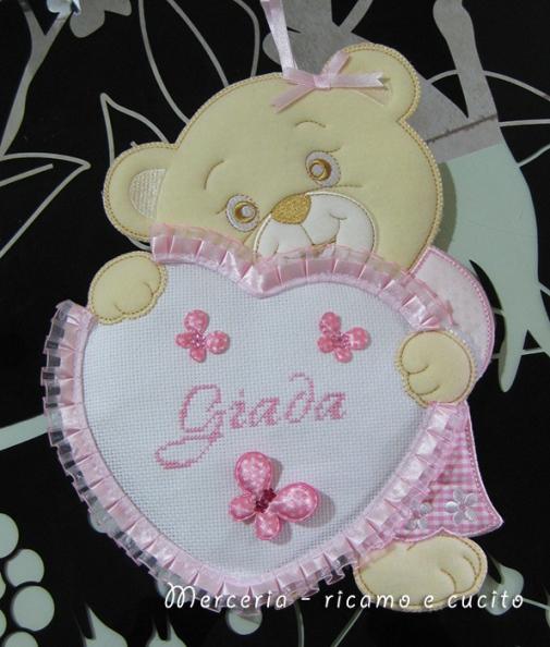 Sacchetto, bavette e fiocco nascita orso con cuore per Giada
