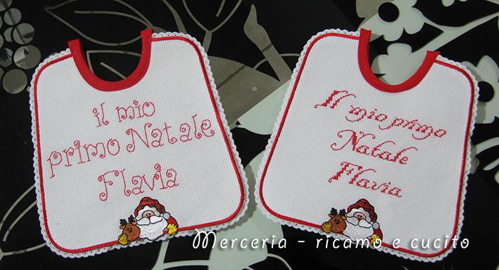 Maglietta per auto e bavette natalizie per Flavia | GIFT - Ricamo e