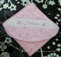 Accappatoio-neonata-per-Rebecca