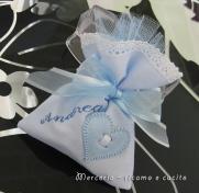 Sacchettini bomboniere portaconfetti celeste con cuore per Andrea