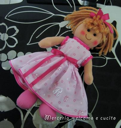 Vestito-per-bambolina-con-iniziale-1
