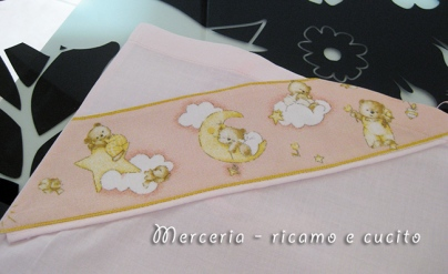 Set lenzuolino, copripiumino e sacchetto nascita con orsetti
