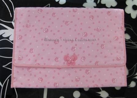 Busta porta oggetti apine rosa con farfallina