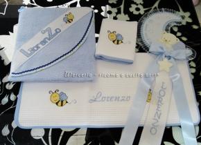 Fiocco nascita, accappatoio e coppoia asciugamani per Lorenzo