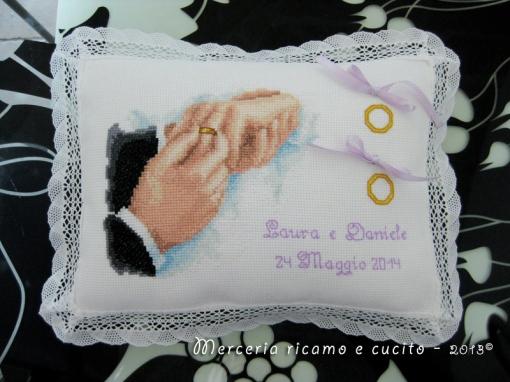 Cuscino portafedi con ritratto per Laura e Daniele