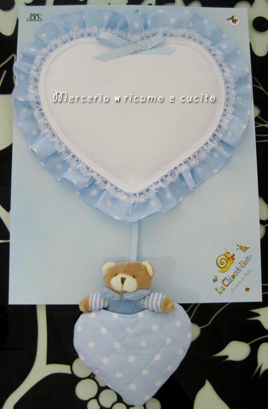 Fiocco nascita cuore celeste con orsetto per bambino