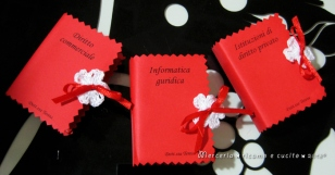 Bomboniera portaconfetti a forma di libro con esami Laurea in giurisprudenza