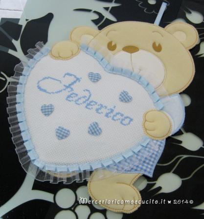 Fiocco nascita orsetto con cuore celeste per Federico