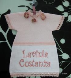 """Maglietta auto """"bimba a bordo"""" e bavetta natalizia con albero per Lavinia Costanza"""