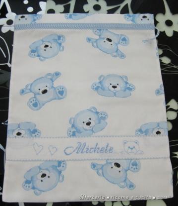 Sacchetto nascita e asilo con orsetti per Michele