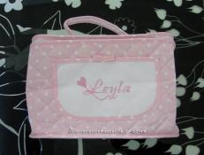 Bavetta prima misura con fiocchetti, borsa beauty e fiocco nascita mongolfiera rosa per Leyla