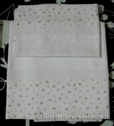 Set lenzuolino con cuori panna in cotone