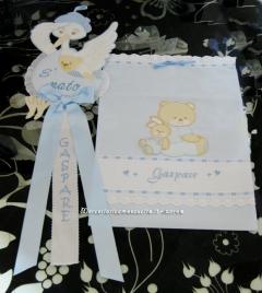 """Fiocco nascita cicogna """"E' nato"""" e sacchetto nascita elegante con orsetto e coniglietto per Gaspare"""