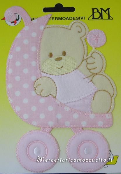 Applicazione termoadesiva orsetto su carrozzina rosa