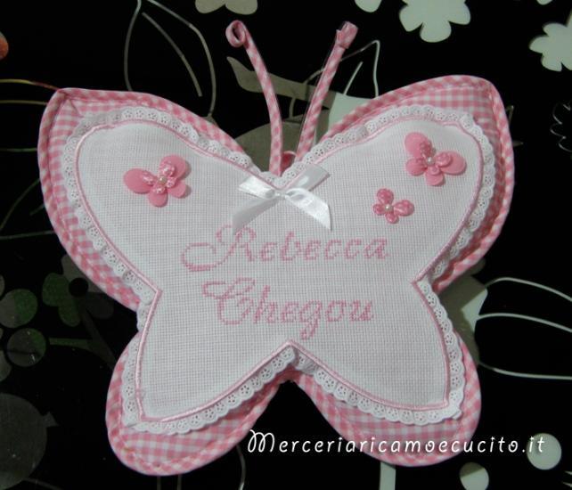 """Coccarda-fiocco-nascita-farfalla rosa """"Rebecca Chegou"""""""