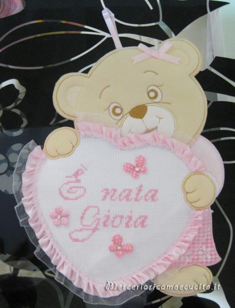 """Fiocco nascita orsetto con cuore rosa """"E' nata Gioia"""""""