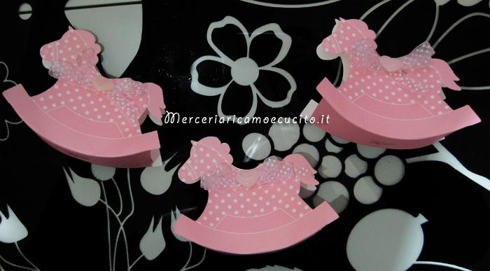 Scatolina bomboniera portaconfetti cavalluccio rosa per Emma
