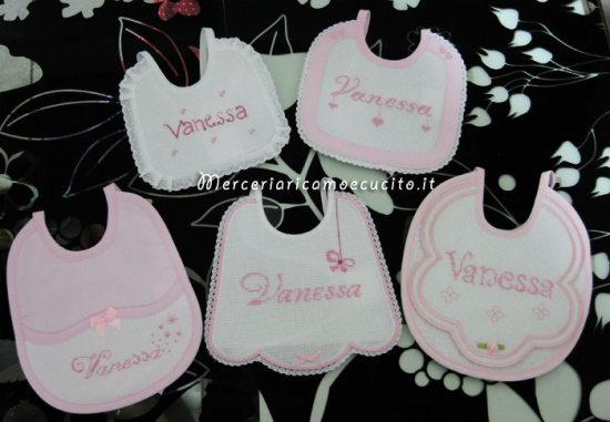Set corredino per nascita - Coperina, accappatoio, buste e bavette per Vanessa