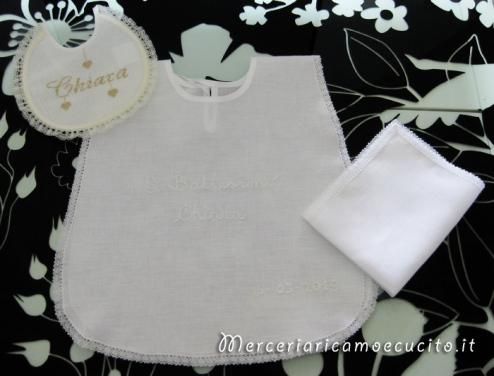 Camicina battesimale con asciugamano e bavetta per il battesimo di Chiara
