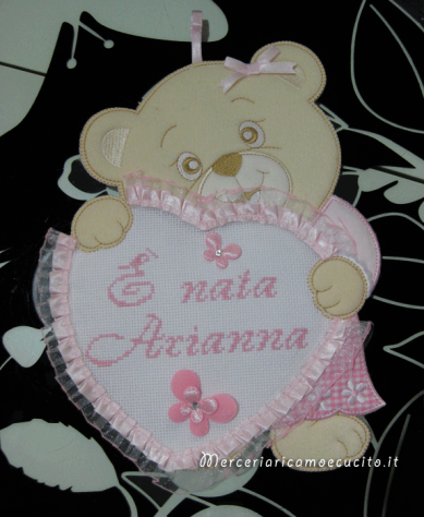 Coccarda Fiocco nascita orsetto con cuore rosa È nata Arianna