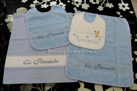 Set per asilo celeste - Asciugamano, bavette e sacchetto per
