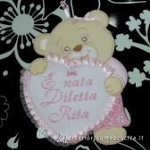 Sacchetto nascita asilo con rose lilla e fiocco nascita orsetto con cuore per Diletta
