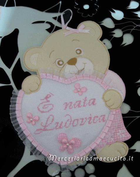 Coccarda Fiocco nascita orsetto con cuore È nata Ludovica