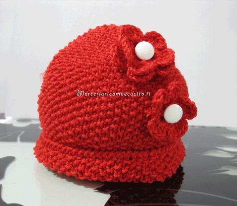 Cappellino neonato rosso ai ferri con fiori all uncinetto   (Grottaglie) e73487f1c9fe