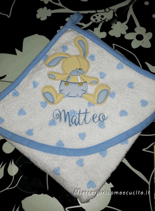 Accappatoio fantasia con cuori per Mattia e coniglietto