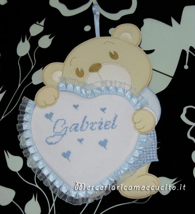 Fiocco nascita orsetto con cuore celeste per Gabriel
