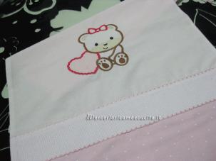 Sacchetto bicolore per nascita e asilo con orsetto